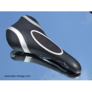 XO saddle for sell with manganese rails